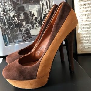 Shoes - Retro Brown and Tan Pumps